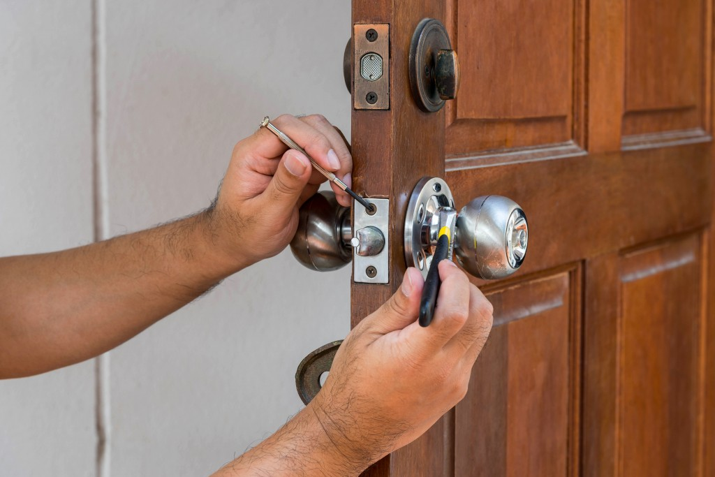 avoid locksmith scam